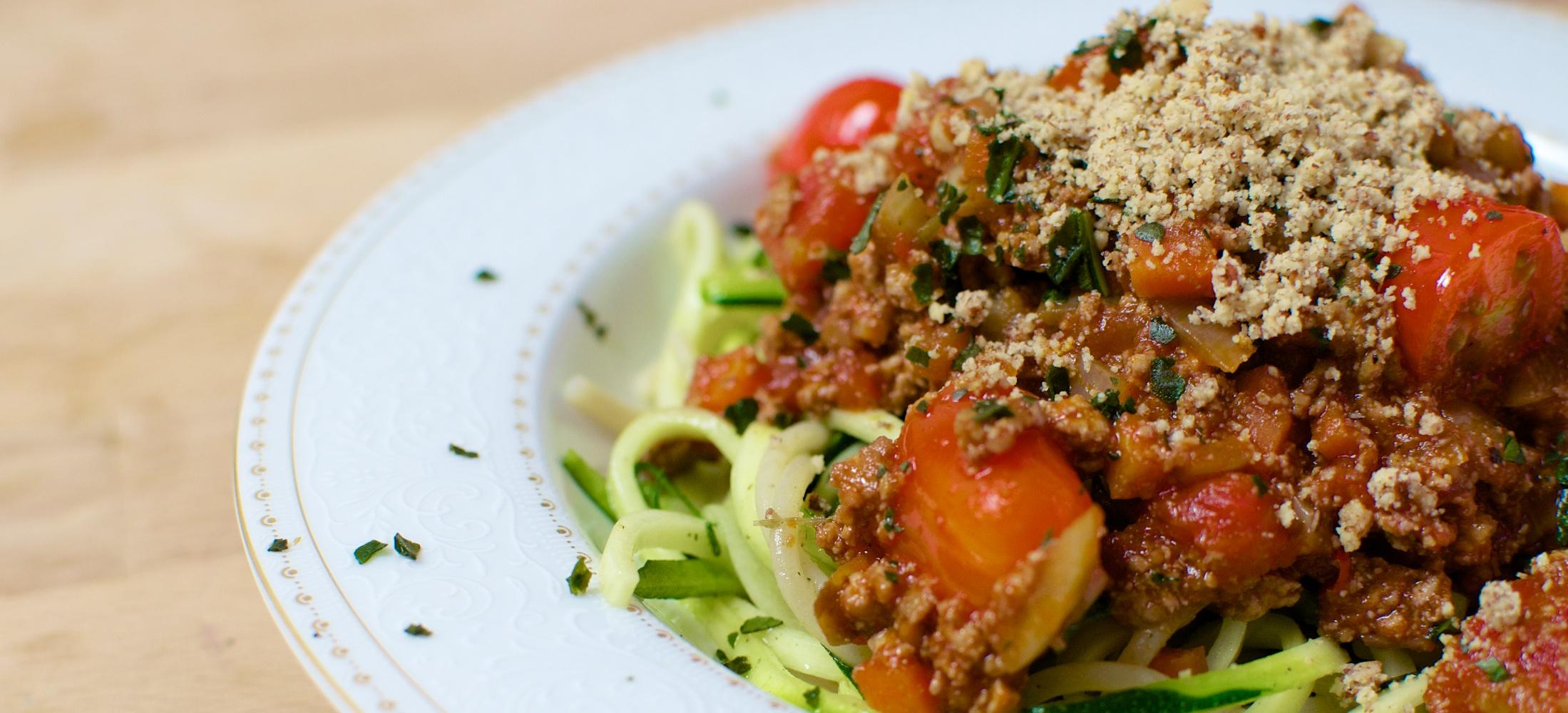 Vegane Bolognese mit Zucchini-Spaghetti
