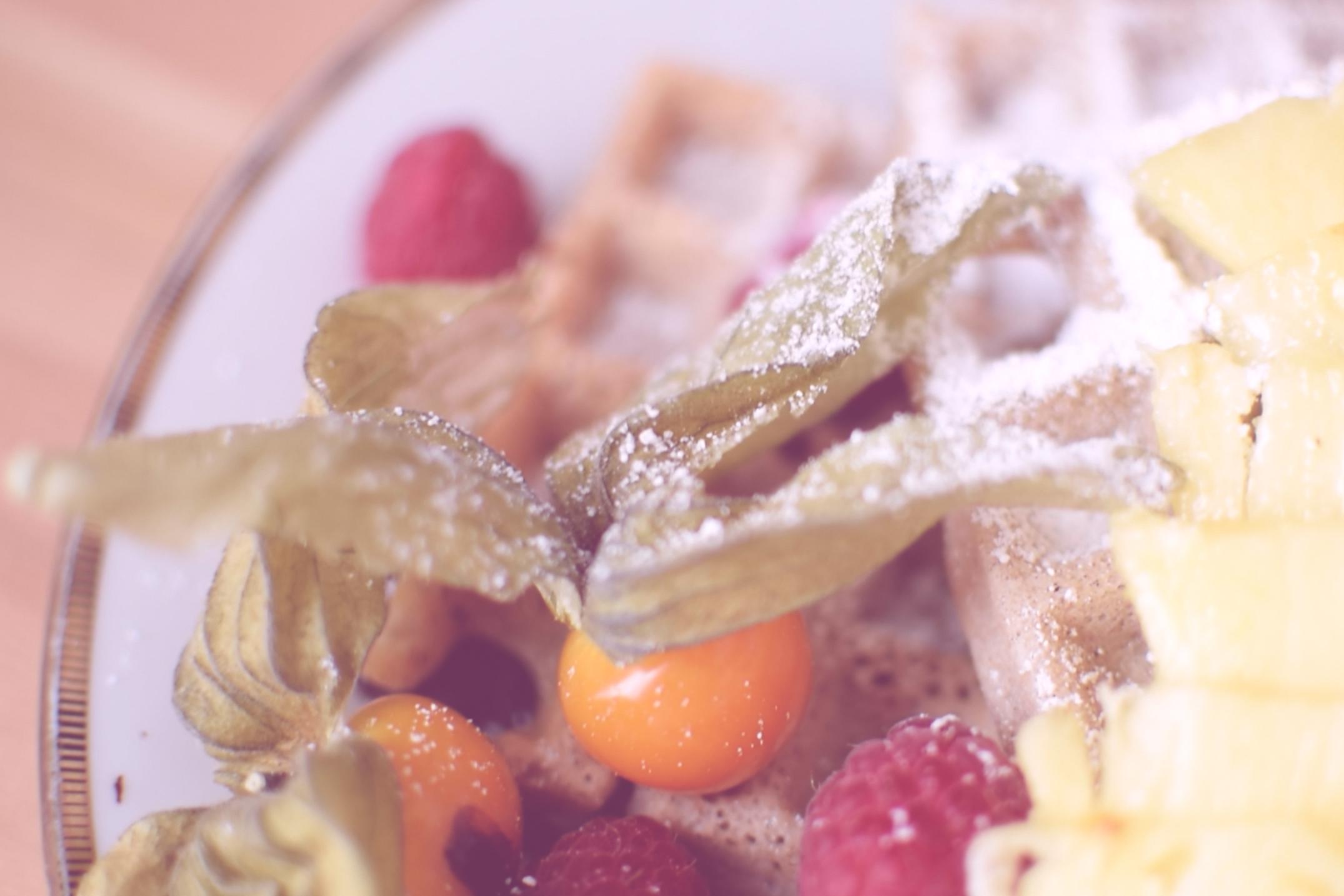 Buchweizenwaffeln mit frischem Obst